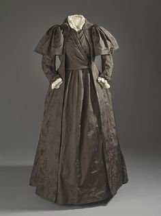 Liberty and Company tea gown c. 1887 - Tea gown - Wikipedia, the free encyclopedia