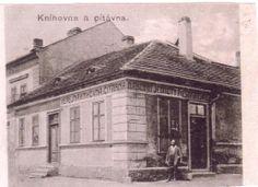 Historie knihovny se datuje od 15.6.1874,  kdy byla založena Čtenářská a zábavní beseda.