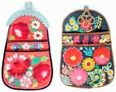 century Swedish folk costume bag from Dalafloda Scandinavian Embroidery, Swedish Embroidery, Wool Embroidery, Embroidery Patterns, Costume Bags, Polish Folk Art, Folk Costume, Embroidery Techniques, Couture