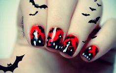 Début du marathon Halloween avec la SNB ! http://violettedoree.blogspot.fr/2012/10/halloween-01-sunday-nail-battle.html