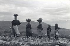 Leiteiras volvendo de Muros. Carnota.1924