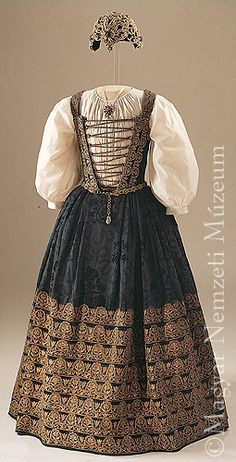 Brandenburgi Katalin öltözéke - 1626 körül  Hungarian National Museum Skirt and bodice with ladies' embroidery of Catherine of Brandenburg, consort of Gábor Bethlen. Transylvania, c. 1626