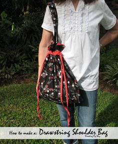 Drawstring Bag TUTORIAL... Make yourself a drawstring bag that you can easily carry on your shoulder ~ Threading My Way