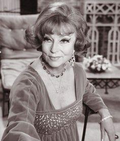 10 Best Endora Images Agnes Moorehead Witch Doctor émission De