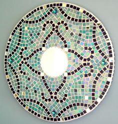 Moderno espejo de mosaico en tonos de turquesa por MosaicGlassArt