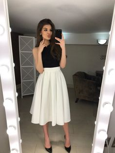 White Cotton Pleated skirt Summer Woman Midi skirt-cute with short or long sleeve black top White Skirt Outfits, Skirt Outfits Modest, Midi Skirt Outfit, Modest Dresses, Dress Skirt, White Midi Skirt, White Pleated Skirt, Prom Dress, White Skirts