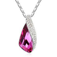 Luxury Design Crystal Necklace $25.00