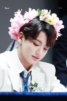 Image shared by ARMY. Find images and videos about kpop, bts and jungkook on We Heart It - the app to get lost in what you love. Taehyung, Bts Jungkook, Yoongi, Namjoon, Foto Bts, Bts Photo, Busan, Kpop, Fansite Bts