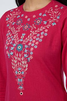 Embroidery Neck Designs, Simple Embroidery, Embroidery Suits, Hand Embroidery Stitches, Embroidery Patterns, Anarkali Dress Pattern, Simple Kurti Designs, Embroidered Kurti, Thread Bangles