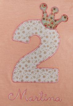 cocodrilova: camiseta de cumpleaños 2 años #camisetacumpleaños #2años #camisetapersonalizada #cumpleaños #hechoamano  camiseta-cumpleaños-2años