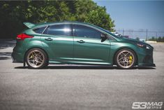 Ford Focus RS & the Import Generation - Magazine Ford Focus 3, Focus Rs, Ford Focus Hatchback, Eco Friendly Cars, Mustang Cars, Car Ford, Animal Design, Fast Cars, Custom Cars