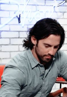 """"""" Milo Ventimiglia (being cute as fuck) ↳ The Elite Daily Show """" Milo Ventimiglia 2016, Milo Ventimiglia Gilmore Girls, Gilmore Girls 2016, Gilmore Girls Actors, Hero Tv Show, Spike Buffy, Classy Aesthetic, Fine Men, Best Actor"""
