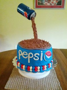 I'm addicted to Pepsi😋 and coincidentally enough. I'm addicted to cake too. Crazy Cakes, Fancy Cakes, Beautiful Cakes, Amazing Cakes, Pepsi Cake, Yummy Treats, Sweet Treats, Extreme Cakes, Cake In A Can