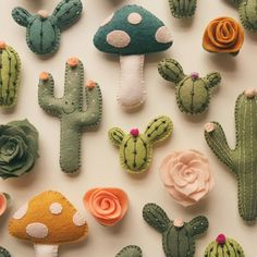 Felt Cactus Magnets from Etsy seller lunabeehive. Felt Diy, Felt Crafts, Fabric Crafts, Sewing Crafts, Diy And Crafts, Arts And Crafts, Felt Magnet, Cactus Craft, Cactus Decor