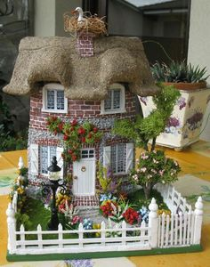 De Todo Un Poco. Miniature Fairy Gardens, Miniature Houses, Miniature Dolls, Diy Crafts Love, Diy And Crafts Sewing, Diy Clay, Clay Crafts, Slime Craft, Clay Houses