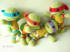 What a fun throwback to your childhood! This amigurumi turtle set will be perfect for your cartoon-loving little ones