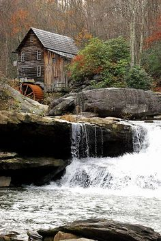 Glade Creek grist mill near my home in WV, and yes, it really is this besutiful! Country Barns, Old Barns, Beautiful Waterfalls, Beautiful Landscapes, Old Grist Mill, Nature Landscape, Water Powers, Water Mill, Country Scenes