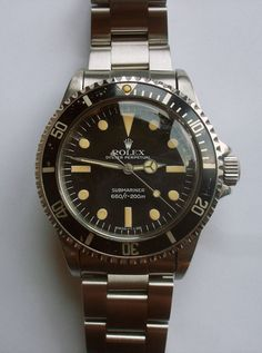 Vintage Rolex Submariner Ref. Feet first, no date, pearl insert intact! Best Looking Watches, Amazing Watches, Beautiful Watches, Cool Watches, Watches For Men, Stylish Watches, Luxury Watches, Rolex Watches, Vintage Military Watches