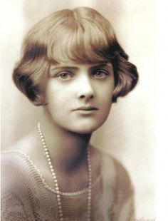 """""""There is no going back in life. There is no return. No second chance."""" ― Daphne du Maurier http://josephjgabriele.com/daphne-du-maurier/ #DaphneDuMaurier"""