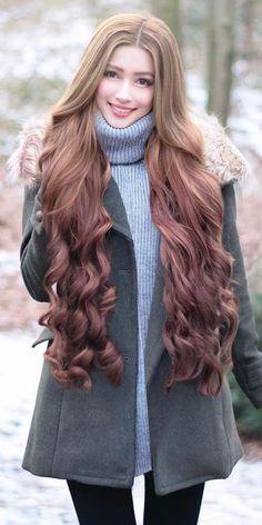 Rapunzel Long Hair is part of braids - braids Big Curls For Long Hair, Really Long Hair, Long Brown Hair, Super Long Hair, Long Curly Hair, Curly Hair Styles, Beautiful Long Hair, Gorgeous Hair, Rapunzel Hair