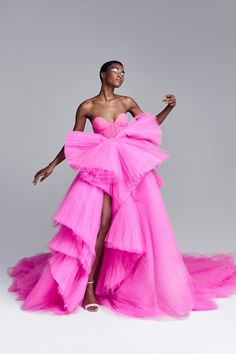 Ralph & Russo Haute Couture Automne-Hiver 2020-2021 - Détails   Vogue Paris Haute Couture Looks, Haute Couture Dresses, Haute Couture Fashion, Couture Clothes, Juicy Couture, Vogue Fashion, Runway Fashion, Fashion Outfits, Fashion Show Dresses