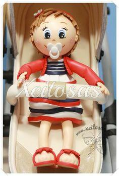 Fofuchas bebés en su carrito gemelar hecho en goma eva.   Todos los trabajos de Xeitosas están registrados.  www.xeitosas.com