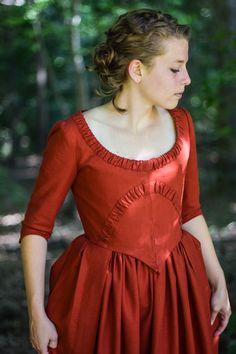 18th century polonaise dress by the @cassaundrasmith such a stunner.
