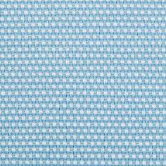 Simples mas elegante, panama de tonalidade azul bébé. Ideal para estofos ligeiros, cortinas, cabeceiras de cama e pormenores de decoração.