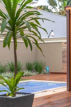 Lanai Design, Small Backyard Design, Backyard Garden Design, Small Backyard Landscaping, Patio Design, Backyard Ideas, Pool Ideas, Bali Style Home, Above Ground Pool Landscaping