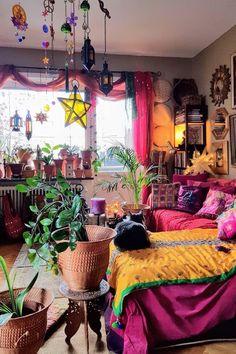 Boho bedroom decor hippie bohemian style plants 36 - Eclectic Home Decor Hippie Bedroom Decor, Bohemian Bedroom Design, Indie Room Decor, Aesthetic Room Decor, Bohemian Decorating, Bohemian Interior, Hippie Apartment Decor, Hippie House Decor, Bohemian Style Rooms