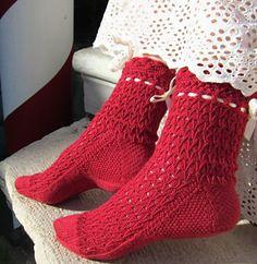 Evangelina sock: Knitty.com - Spring+Summer