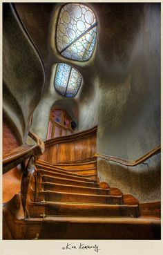Antoni Gaudi staircase, Barcelona, Spain This Art Nouveau staircase shows its been influenced by nature in the rock like, appearance of the walls. Architecture Design, Beautiful Architecture, Beautiful Buildings, Beautiful Places, Organic Architecture, Modern Buildings, Staircase Architecture, Spanish Architecture, Historical Architecture