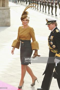 QUEEN Maxima is famous for her love of flamboyant hats and elegant dresses but she is also a former investment banker from Argentina. Here is a look at the Dutch Queen& remarkable life and most stylish moments. Beauty And Fashion, Fashion Looks, Fiona Erdmann, Dutch Queen, Estilo Real, Queen Maxima, Love Her Style, Royals, Lady