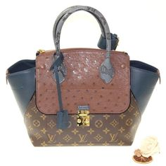 0cbccc7ebcd9 Get one of the hottest styles of the season! The Louis Vuitton Exotique  Majestueux Pm Multicolor Tote Bag is a top 10 member favorite on Tradesy.