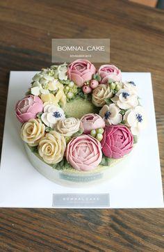 Ƹ̴Ӂ̴Ʒ Sweet Ƹ̴Ӂ̴Ʒ Little Cakes - 꽃피는 봄날 케이크 [BOMNAL CAKE] [광진, 송파, 강동, 남양주, 하남시,구리 앙금플라워 떡 케이... Gorgeous Cakes, Pretty Cakes, Cute Cakes, Amazing Cakes, Korean Buttercream Flower, Buttercream Flower Cake, Buttercream Decorating, Cake Decorating, Baking Cupcakes