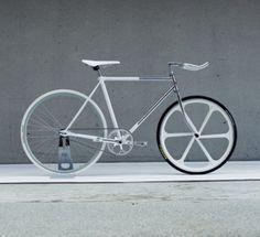 fixed gear grey scale