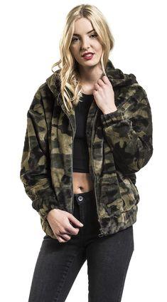 Camo Fashion, Military Fashion, Camouflage Jacket, Hunting, Bomber Jacket, Style Inspiration, Urban, Lady, Jeans