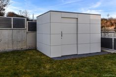 Designer #Gartenhaus in Augsburg-Gersthofen by design@garten,Germany | #HPL | Farbe Weiß - niemals streichen