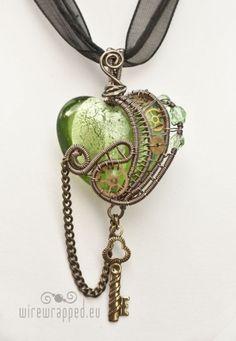 Steampunk heart;Handmade jewellery idea for my talented pinners.