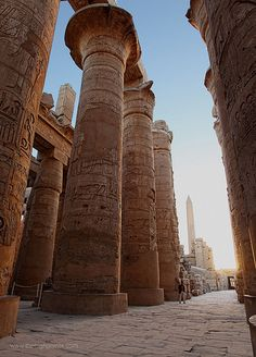 First light in the Hypostyle Hall at Al Karnak in Luxor / Al 'Uqṣurأَلْأُقْصُر