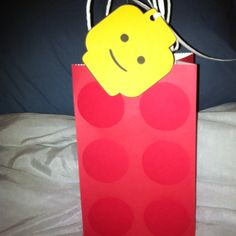 Bag with head tag -- Lego party