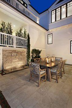 Ultimate California Beach House with Coastal Interiors | Home Bunch - An Interior Design & Luxury Homes Blog | Bloglovin'