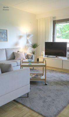 Olohuone harmain sävyin. Livingroom with grey. Harmaa olohuone.