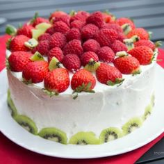 Rainbow fruit cake #cupcakes #cupcakeideas #cupcakerecipes #food #yummy #sweet #delicious #cupcake