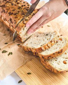 """971 To se mi líbí, 2 komentářů – Zdravé recepty a inspirace 🥑 (@zdrave_recepty.cz) na Instagramu: """"🎃 DÝŇOVO-MRKVOVÝ CHLEBA 🥕 od @zdrave_s_lusy ❤️ ✨ INGREDIENCE NA CHLEBA: ✔️ 200 g mrkve – cca 2…"""" Bread, Instagram, Food, Brot, Essen, Baking, Meals, Breads, Buns"""