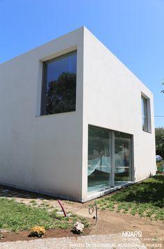 MAMI HOUSE -  SE view _ work under construction_ #noarq #house #whitedesign by José Carlos Nunes de Oliveira - © NOARQ - Photography by João Morgado