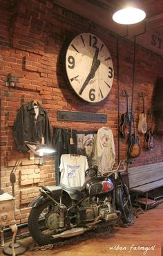 urban farmgirl: american pickers - nashville style love the clock for our nashville room. Industrial Bedroom, Industrial House, Industrial Interiors, Industrial Chic, Industrial Furniture, Vintage Industrial, Industrial Bookshelf, Industrial Windows, Industrial Wallpaper