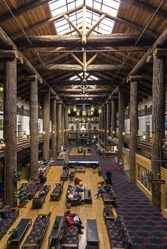 Glacier Park Lodge in Montana. The lodge was built in 1914 by the Glacier Park Company. Glacier Park Lodge, Glacier National Park Montana, Yellowstone National Park, Glacier Np, Yellowstone Vacation, National Park Lodges, Us National Parks, Big Sky Country, Dream Vacations