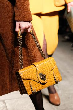 Bottega Veneta Fall 2017 Ready-to-Wear Accessories Photos - Vogue