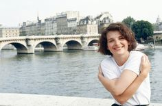 French Actress Juliette Binoche In Paris August 1991 Minimalist Photography, Urban Photography, Color Photography, White Photography, Juliette Binoche, Robert Doisneau, The English Patient, Edward Weston, French Actress